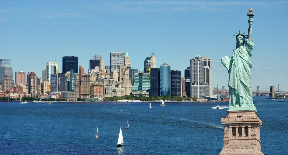 Statue-of-Liberty-and-New-York-City-skyline-000015439439_Small